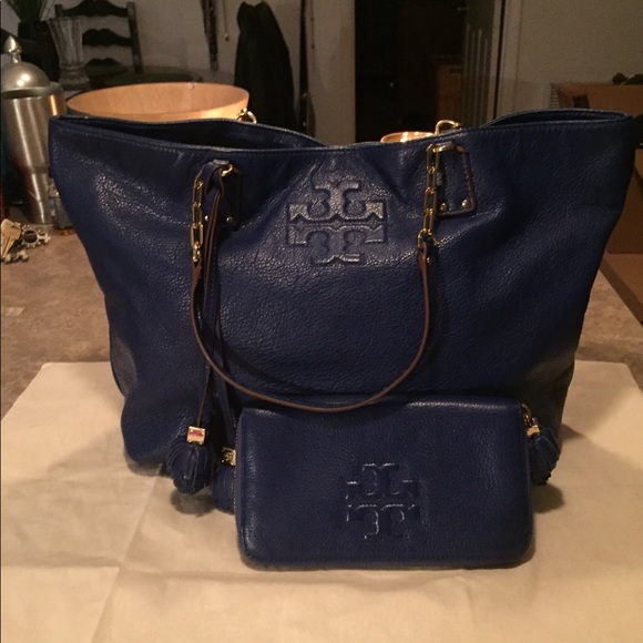 f81f87adf0 ... Tory Burch Thea Ball Set. M_5a613a2e3b1608d99963969a. Other Bags ...
